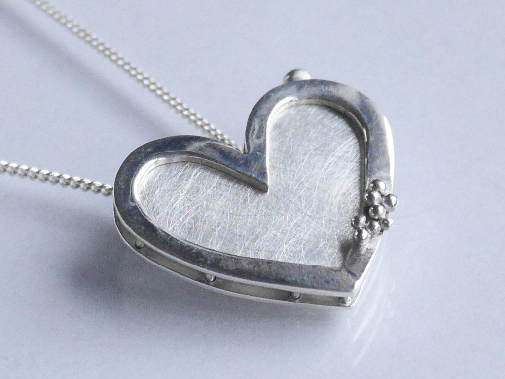 bijou sur mesure pendentif cœur porte photo en argent