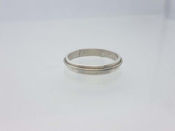 anneau large avec fil en sur épaisseur